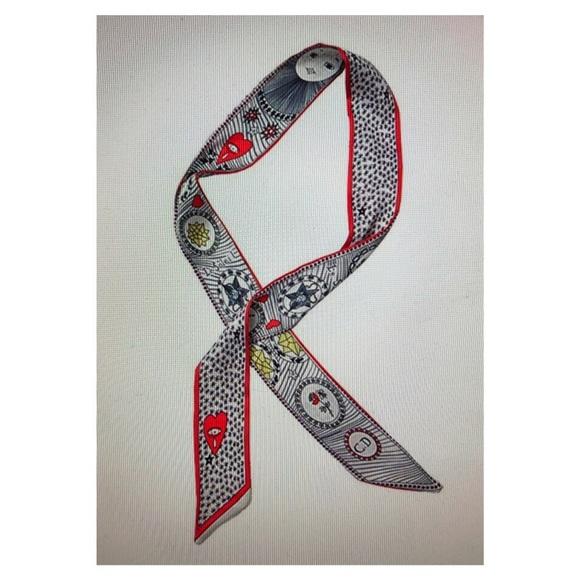 Accessories - Scarf, ribbon, or headband